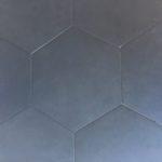 Hexagon Nero 16 Inch