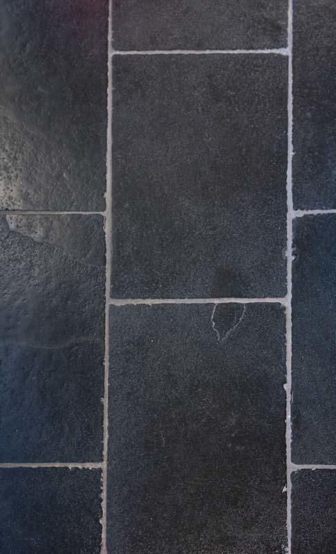16x16 Carrara Cathedral Black Limestone 16x24